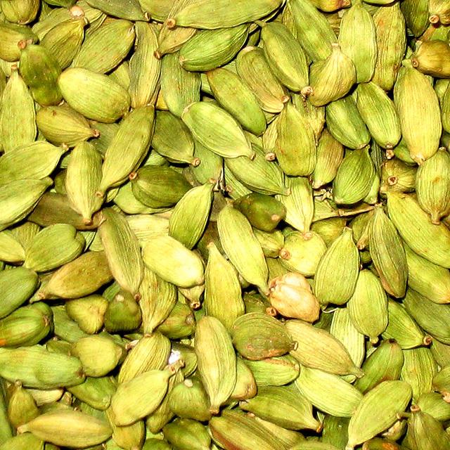 Cardamom Pods (Ellettaria cardamomum)