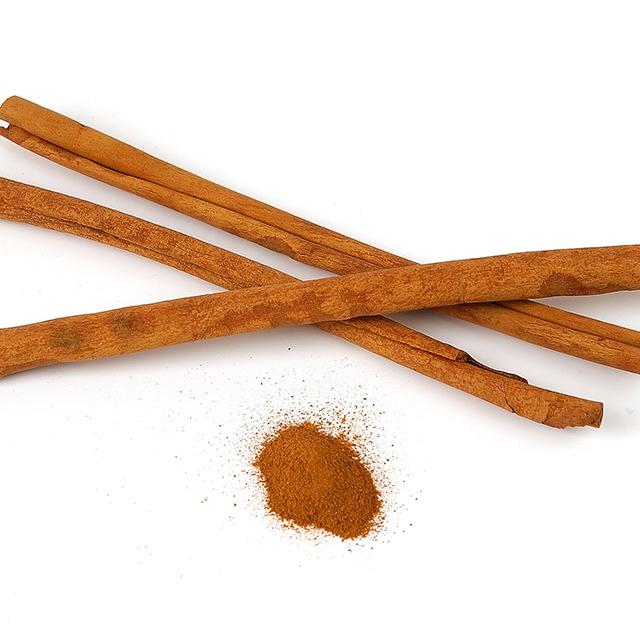 Cinnamon (Cinnamomum zeylanicum)